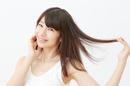 髪 笑顔 女性